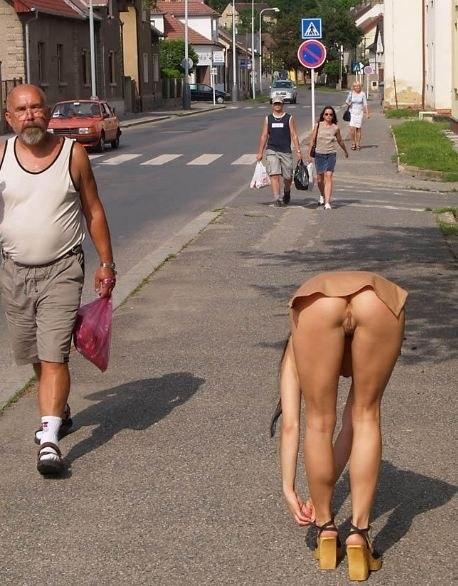 Очаровательные жены не боятся сфотографировать свои достоинства