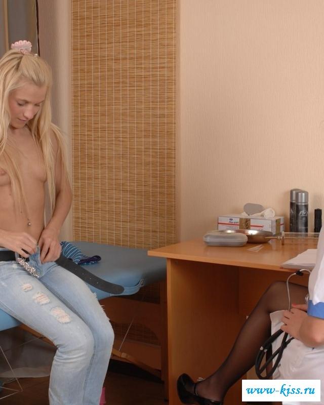 Нагая пациентка чертовски искушает эскулапа